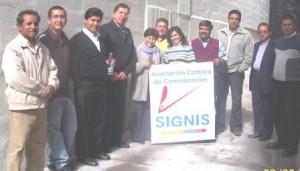 Directivos de SIGNIS Ecuador al ingreso de  la Nueva Oficina